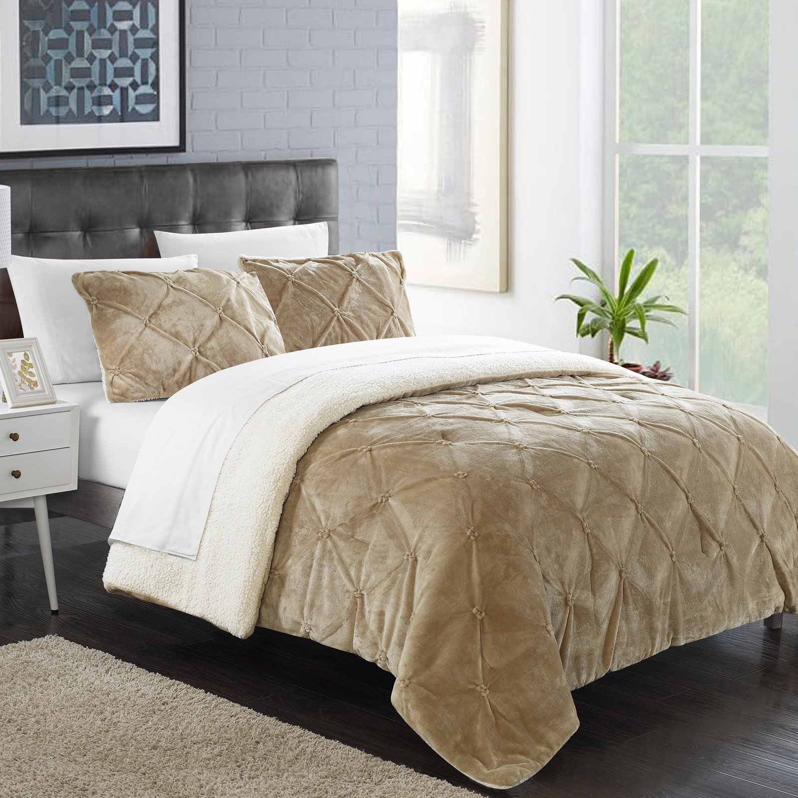 Chiara Comforter Set by Chic Home