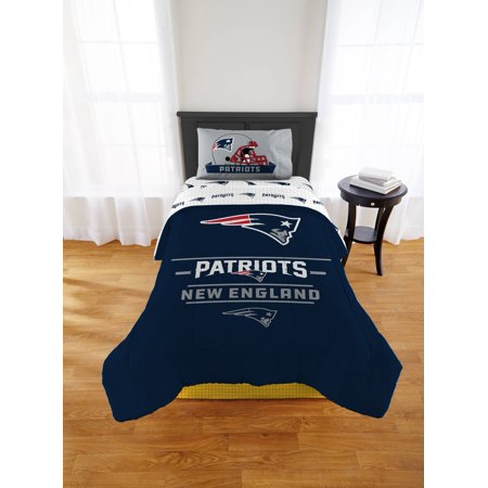 Twin Set Shirt - NFL New England Patriots Monument Twin or Xl Comforter Set
