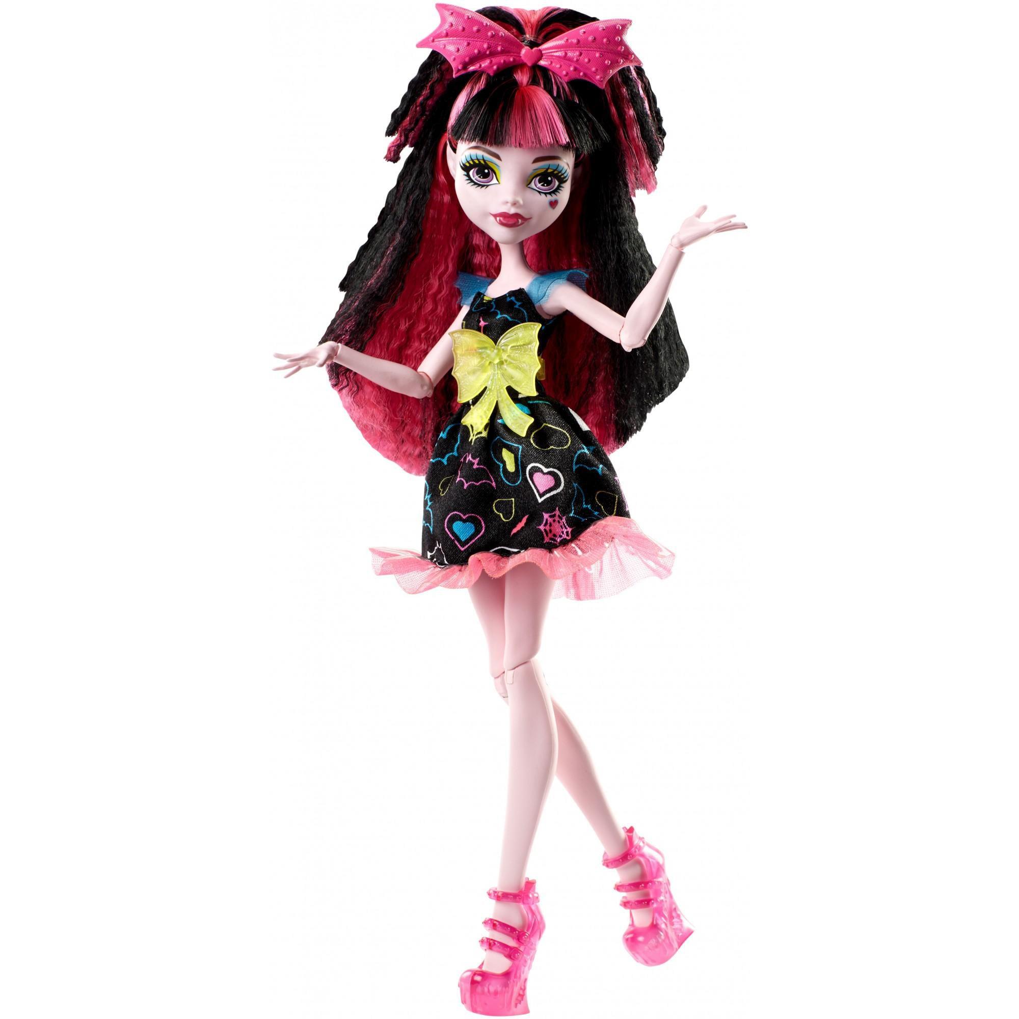 Monster High Electrified Hair-Raising Ghouls Draculaura Doll by MATTEL INC.