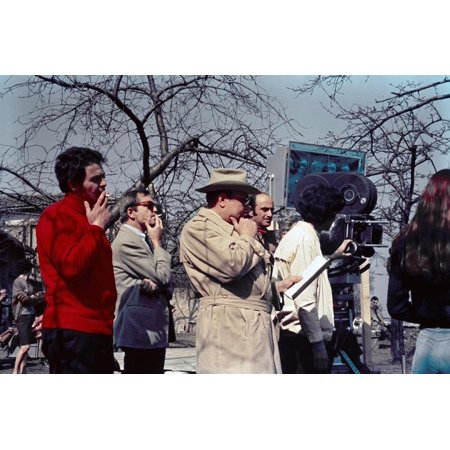 Le realisateur Jean Pierre Melville sur le tournage du film L' armee des Ombres en, 1969 (d'apres J Print Wall Art - Halloween 3 Le Film En Streaming