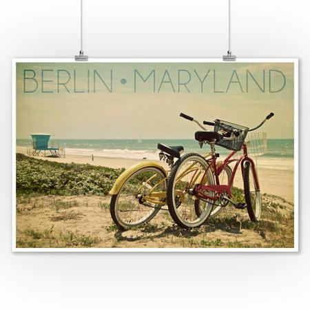 - Berlin, Maryland - Bicycles & Beach Scene - Lantern Press Photography (9x12 Art Print, Wall Decor Travel Poster)
