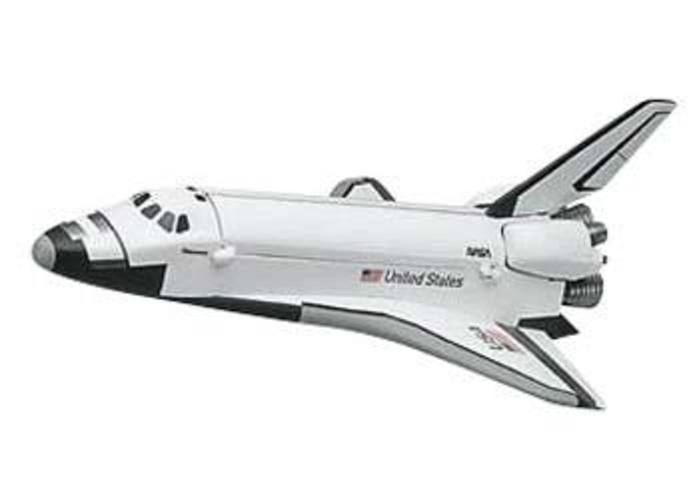 851188 1 200 Snap Space Shuttle by REVELL/MONOGRAM