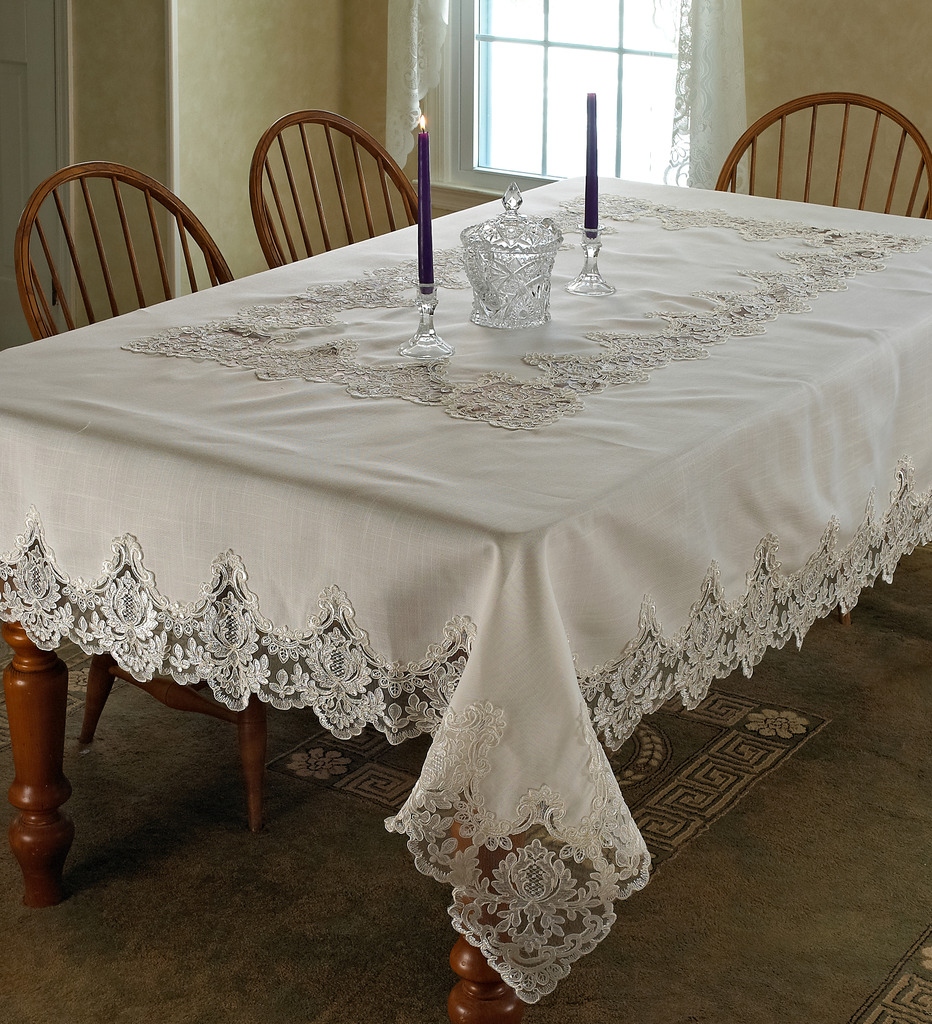 Imperial Embroidered Vintage Lace Design Tablecloths