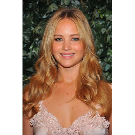 Jennifer Lawrence At Arrivals For Qvc Red Carpet Style Party Canvas Art     16 X 20