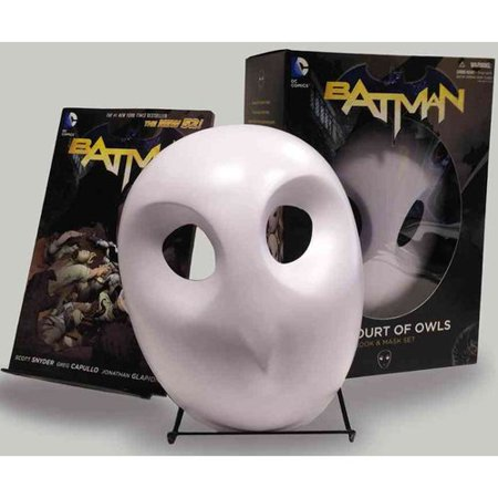 Batman: The Court of Owls Book & Mask Set by