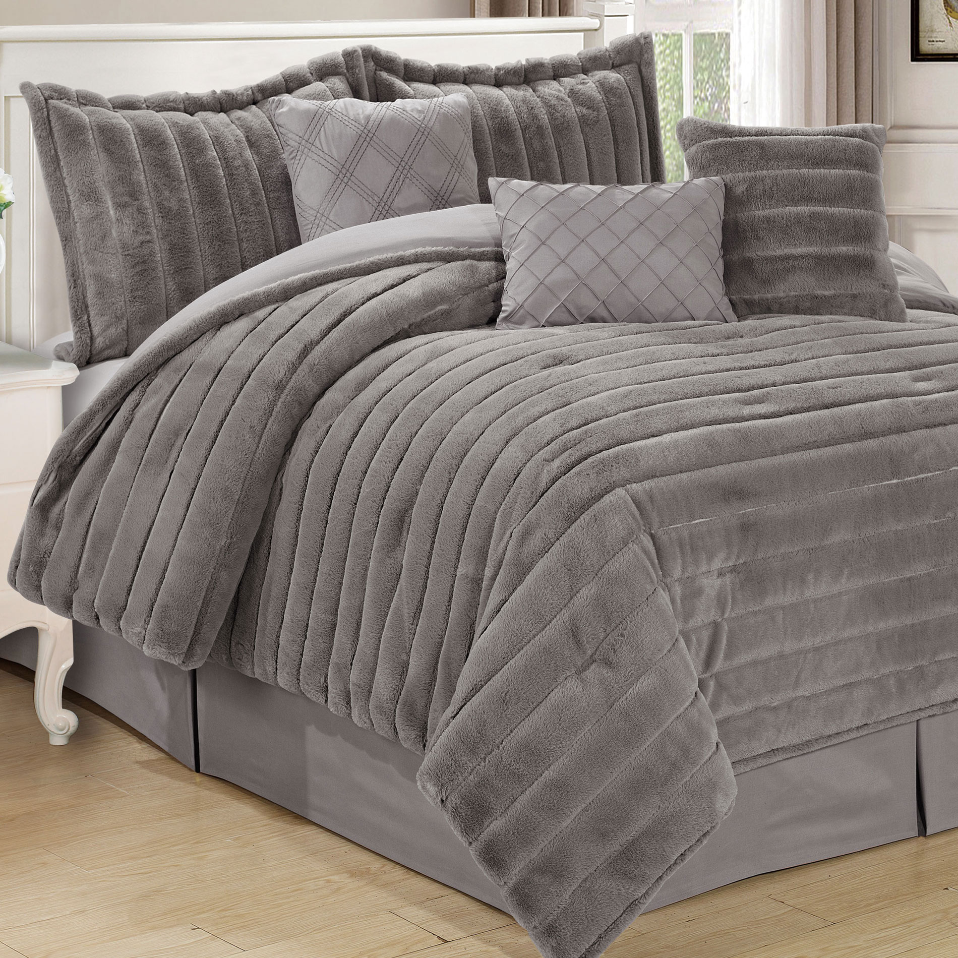 Serenta Rabbit Faux Fur 7 Piece Comforter Sets