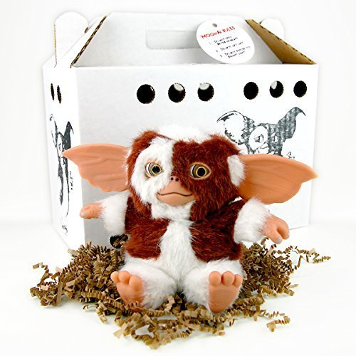 """Gremlins 6"""" Gizmo Gift Pack includes Carrier and Gizmo"""
