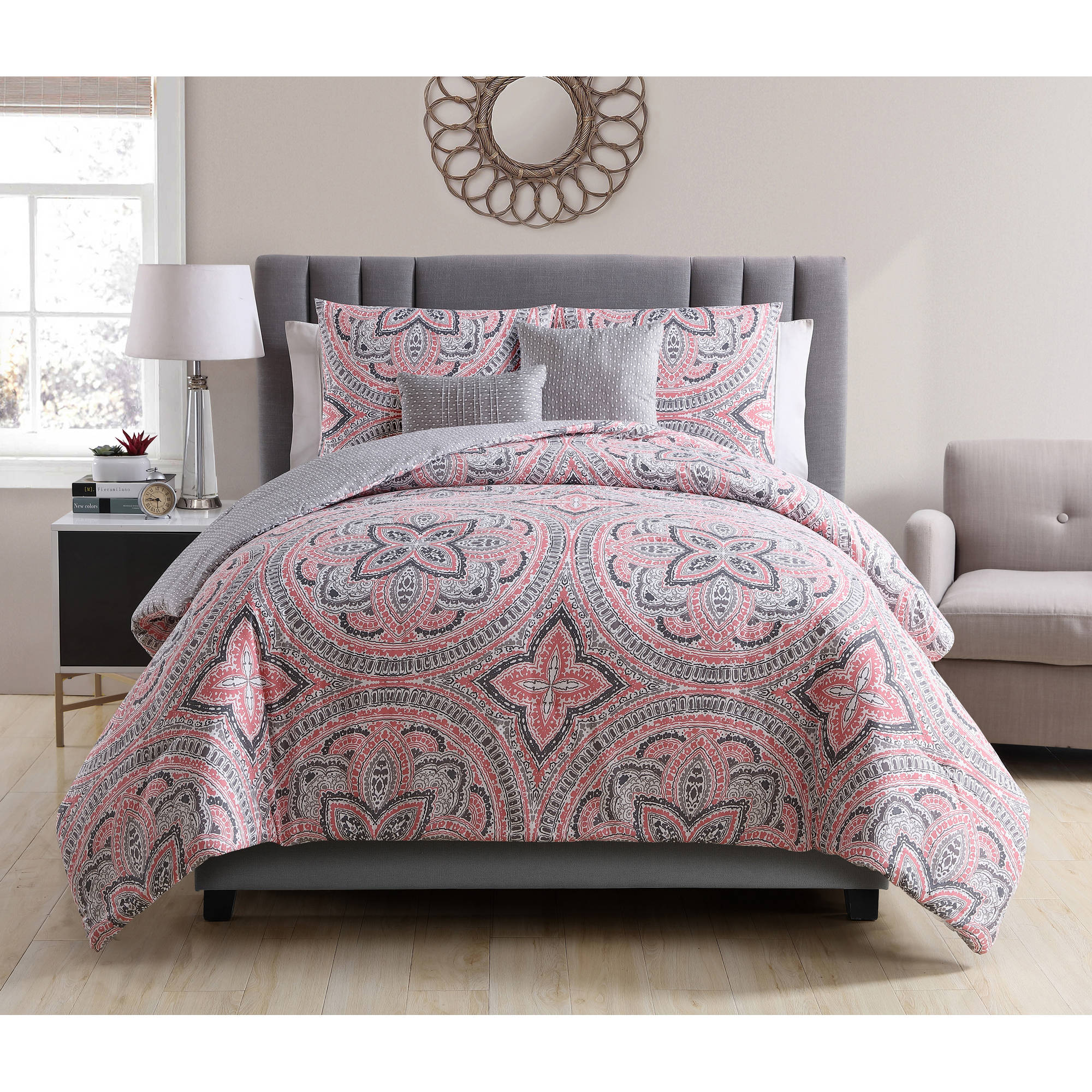 VCNY Home Multi-Color Medallion Printed 5-Piece Reversible Allison Bedding Comforter Set, Decorative Pillows Included