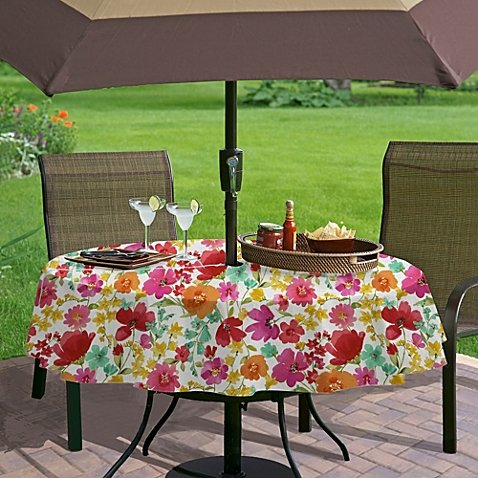 Umbrella With Hole Zipper Vinyl Tablecloth   Victoria Gardens   70 Inches  Round
