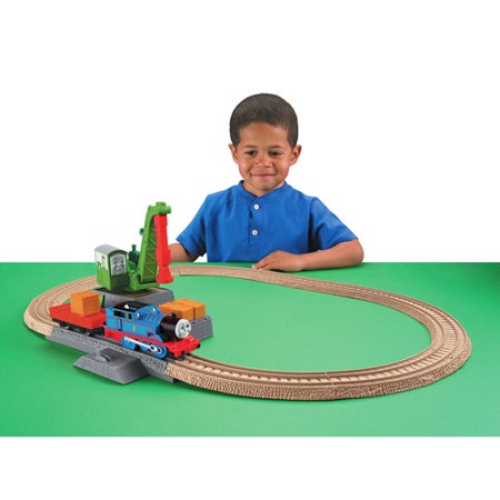 Thomas & Friends TrackMaster Play Set, Colin in the Party Surprise