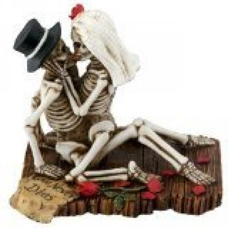 Skeleton Couple Love Never Dies Dia de los Muertos Day of the Dead Figurine by YTC Summit International