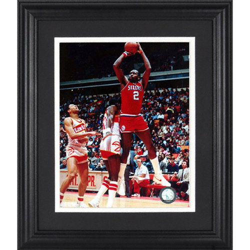 NBA - Moses Malone Philadelphia 76ers Framed Unsigned 8x10 Photograph