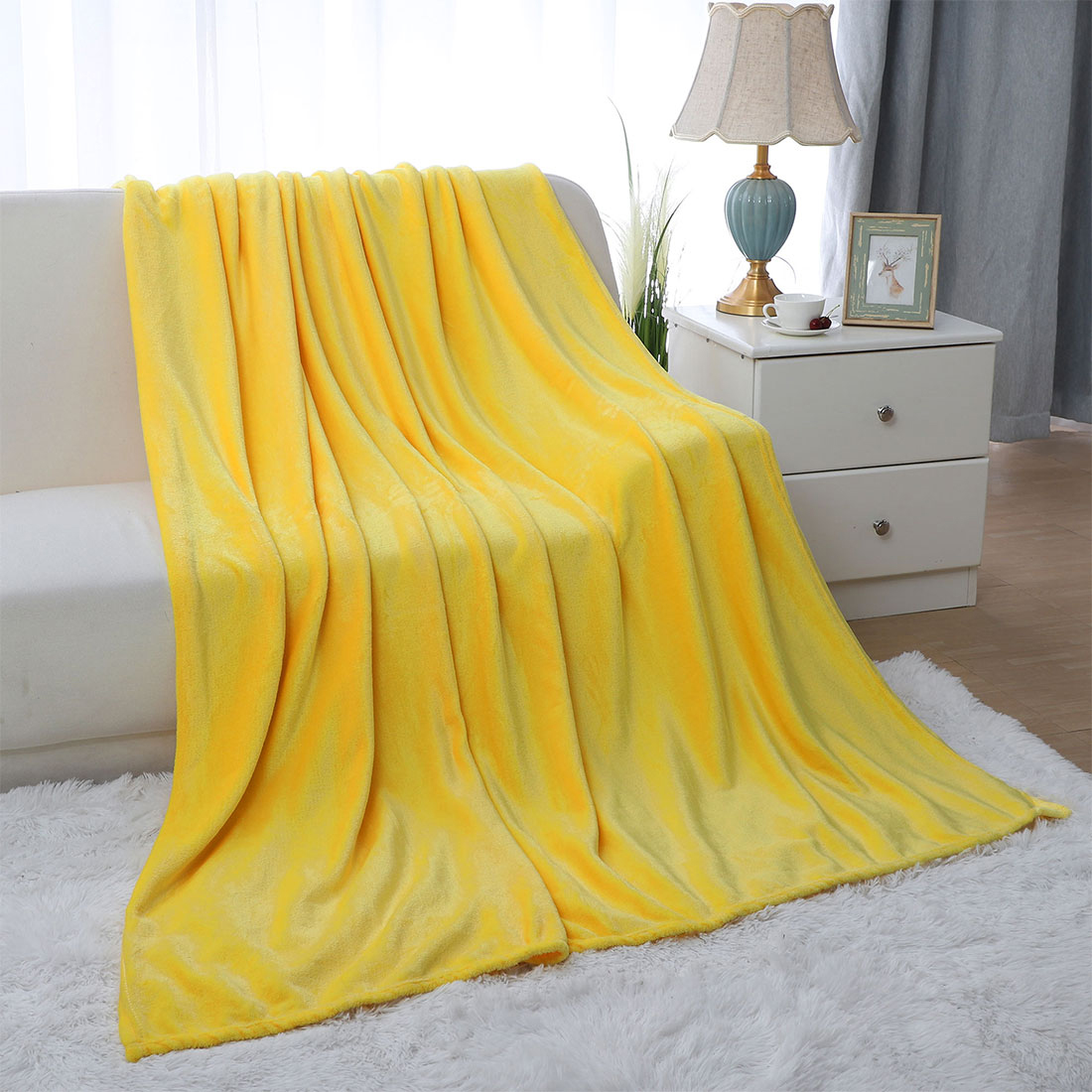 Soft Solid Plush Fleece Throw Blanket for Bedding Twin/Full/Queen