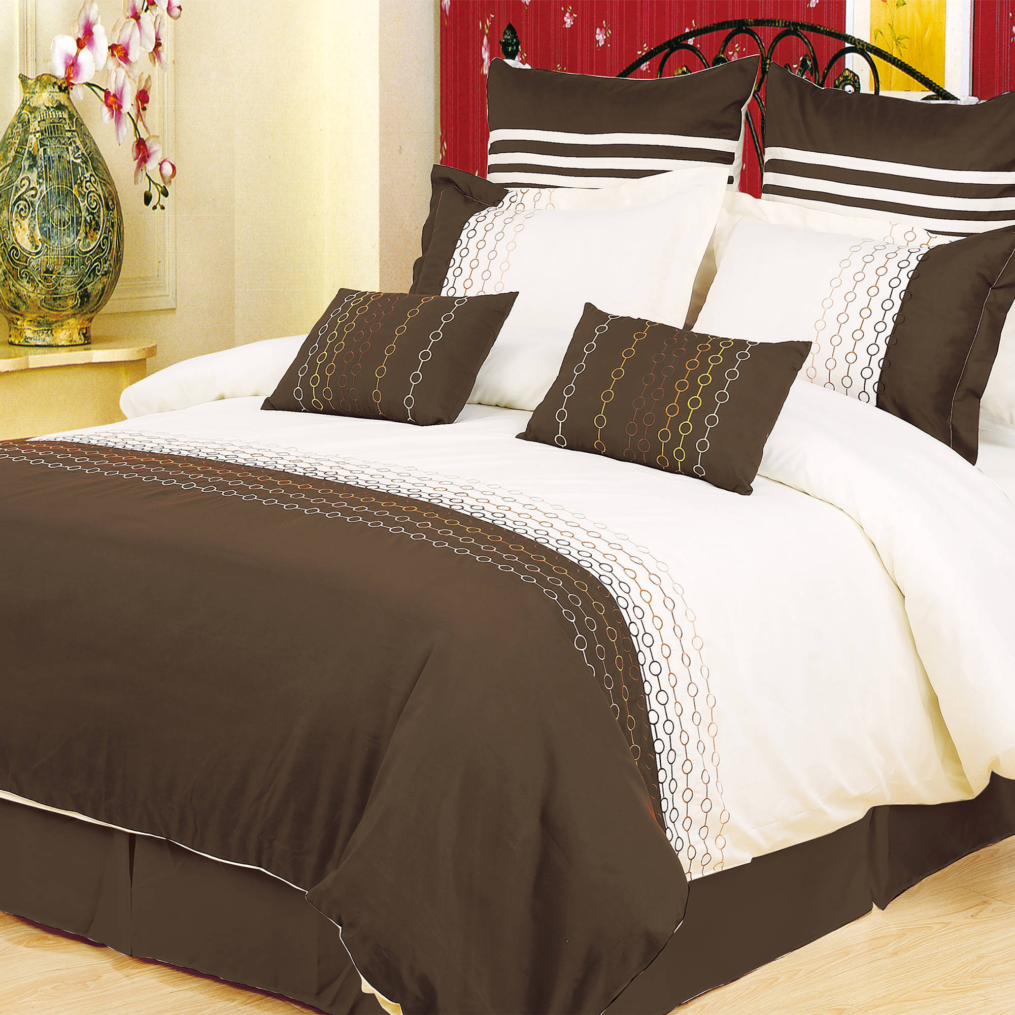 Superior Vanessa 7-Piece Duvet Cover Set
