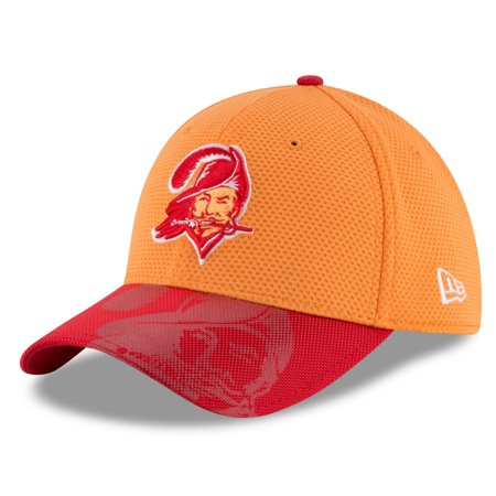 Tampa Bay Buccaneers New Era 39THIRTY 2016 Sideline Classic Flex Fit Hat by