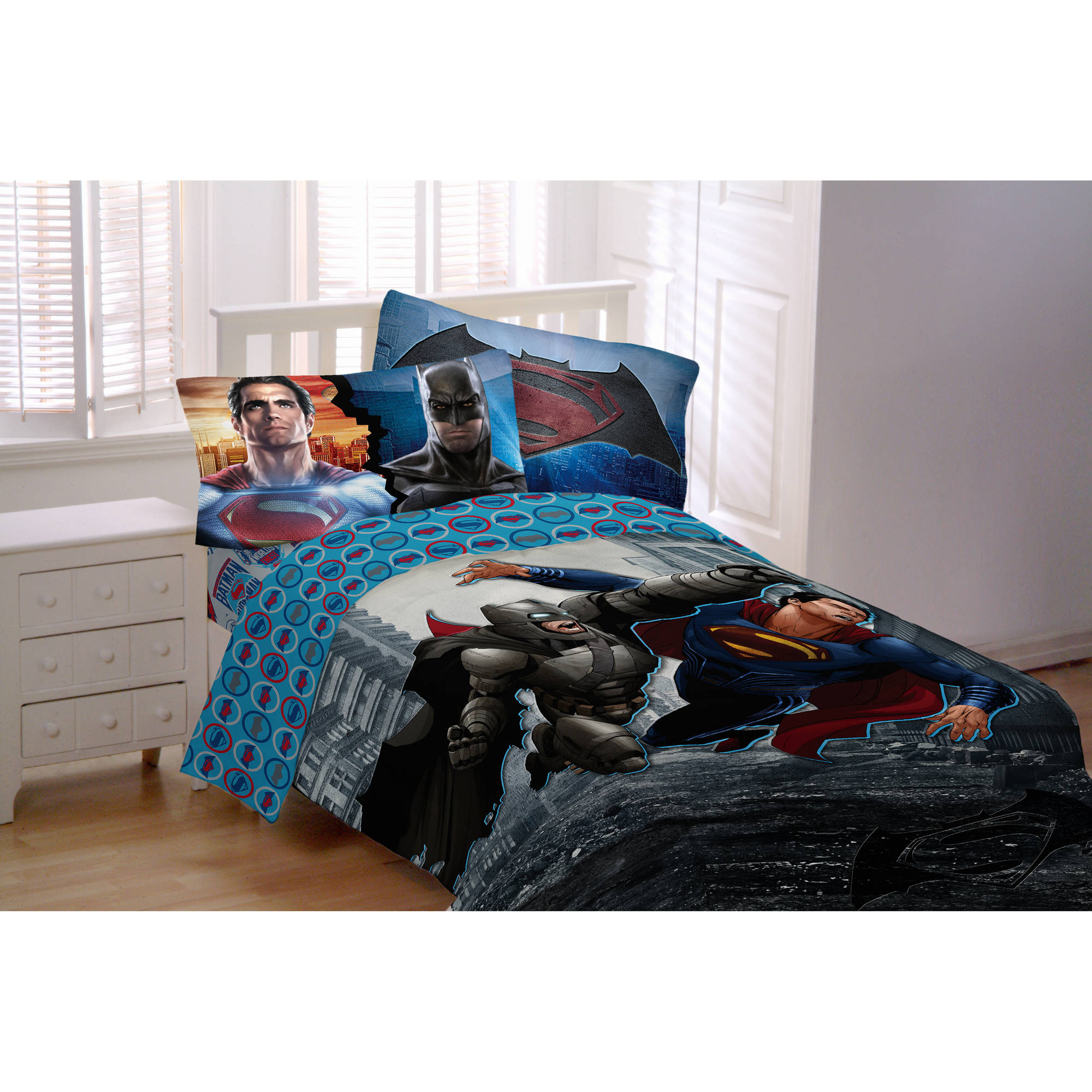 Batman Vs Superman World's Finest Reversible Twin/Full Comforter