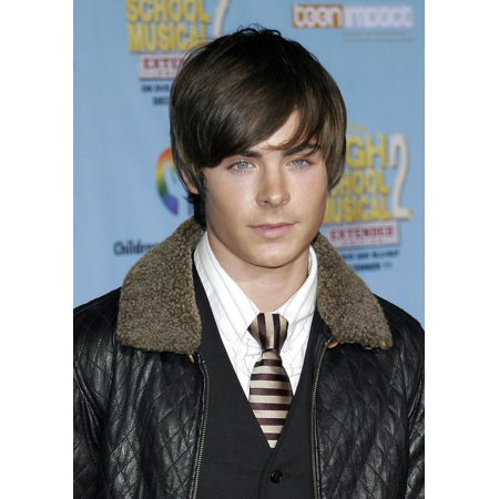 Zac Efron At Arrivals For Dvd Premiere Of High School Musical 2 Benefitting Los Angeles ChildrenS Hospital Teen Impact Program El Capitain Theatre Los Angeles Ca November 19 2007 Photo By Adam OrchonE