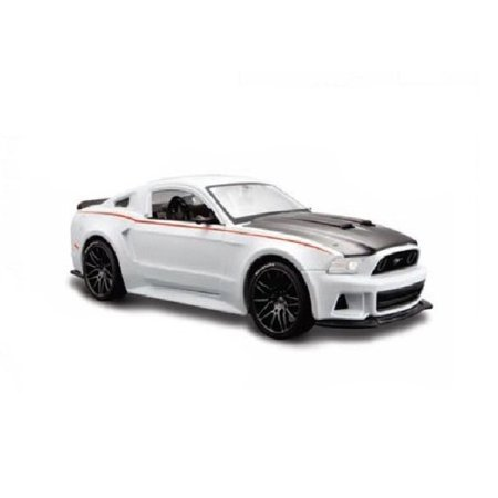 2014 Ford Mustang Street Racer White 1/24 by Maisto 31506 Ford Fusion Racer