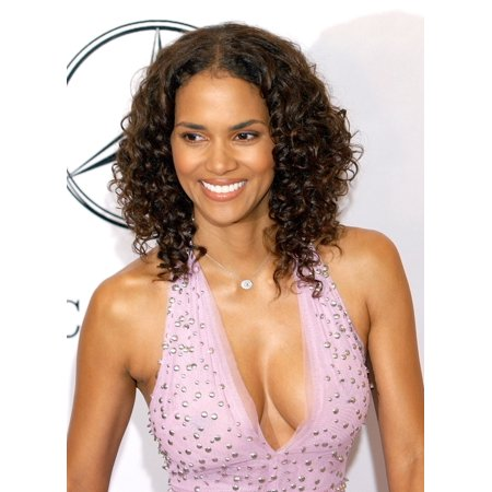 Halle Berry At The 16Th Annual Carousel Of Hope Gala To Benefit The Barbara Davis Center For Childhood Diabetes Beverly Hills Ca October 23 2004 Celebrity