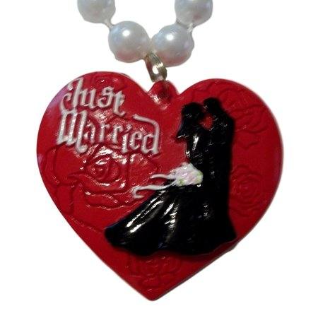 Just Married Red Heart Honeymoon Newlywed Mardi Gras Necklace Beads Bead](Mardi Gras Necklaces Wholesale)