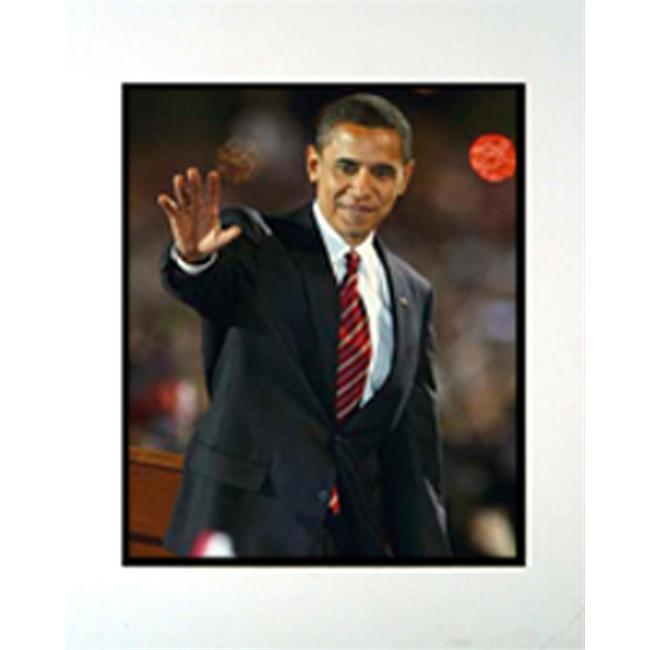 Encore Select m2-KN23708 Barack Obama Waving 11 in. x 14 in. Photograph in a Mat