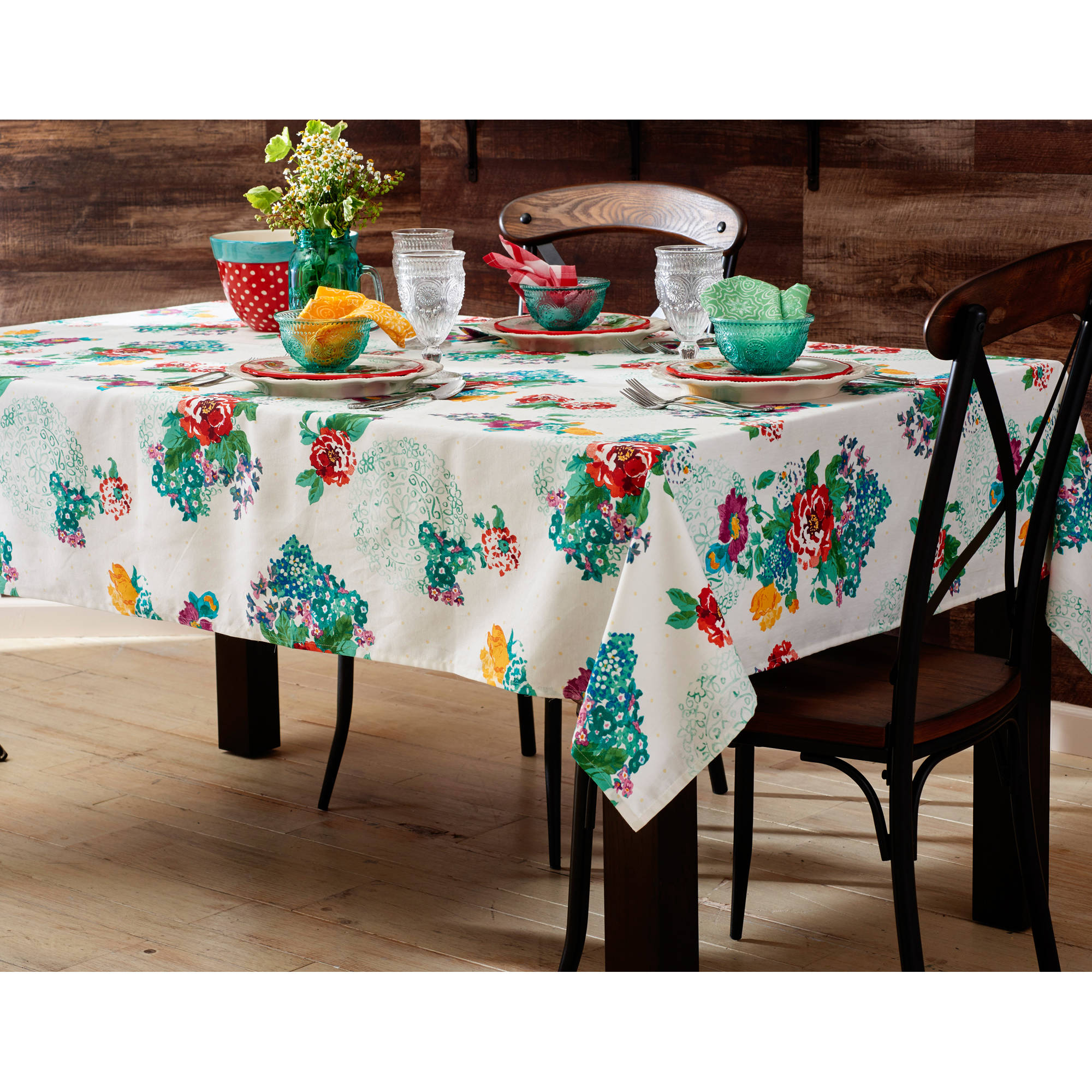 The Pioneer Woman Country Garden Tablecloth 52 X 70 In Com