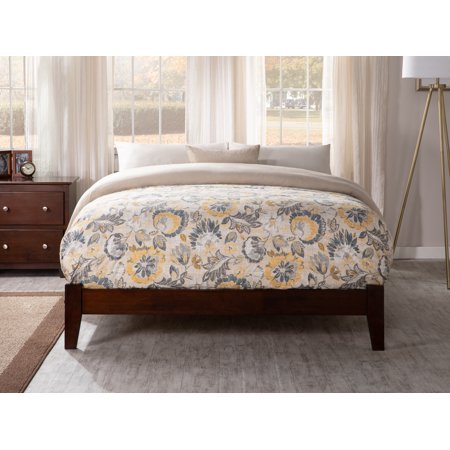 Concord Full Traditional Bed in Walnut (Traditional Walnut)