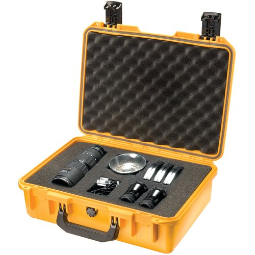 Pelican Storm Shipping Case with Foam: 13.4'' x 18.2'' x 6.7''