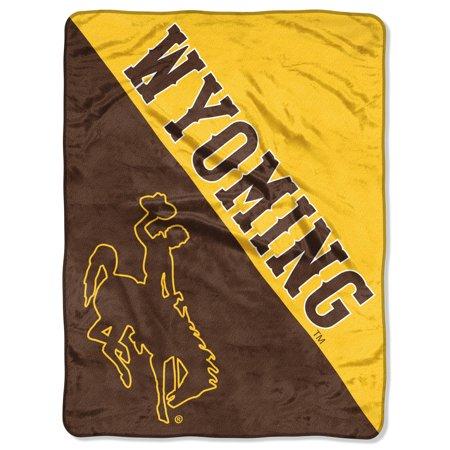 "NCAA Wyoming Cowboys ""Halftone"" 46""x 60"" Micro Raschel (Wyoming Cowboys Ulti Mat)"