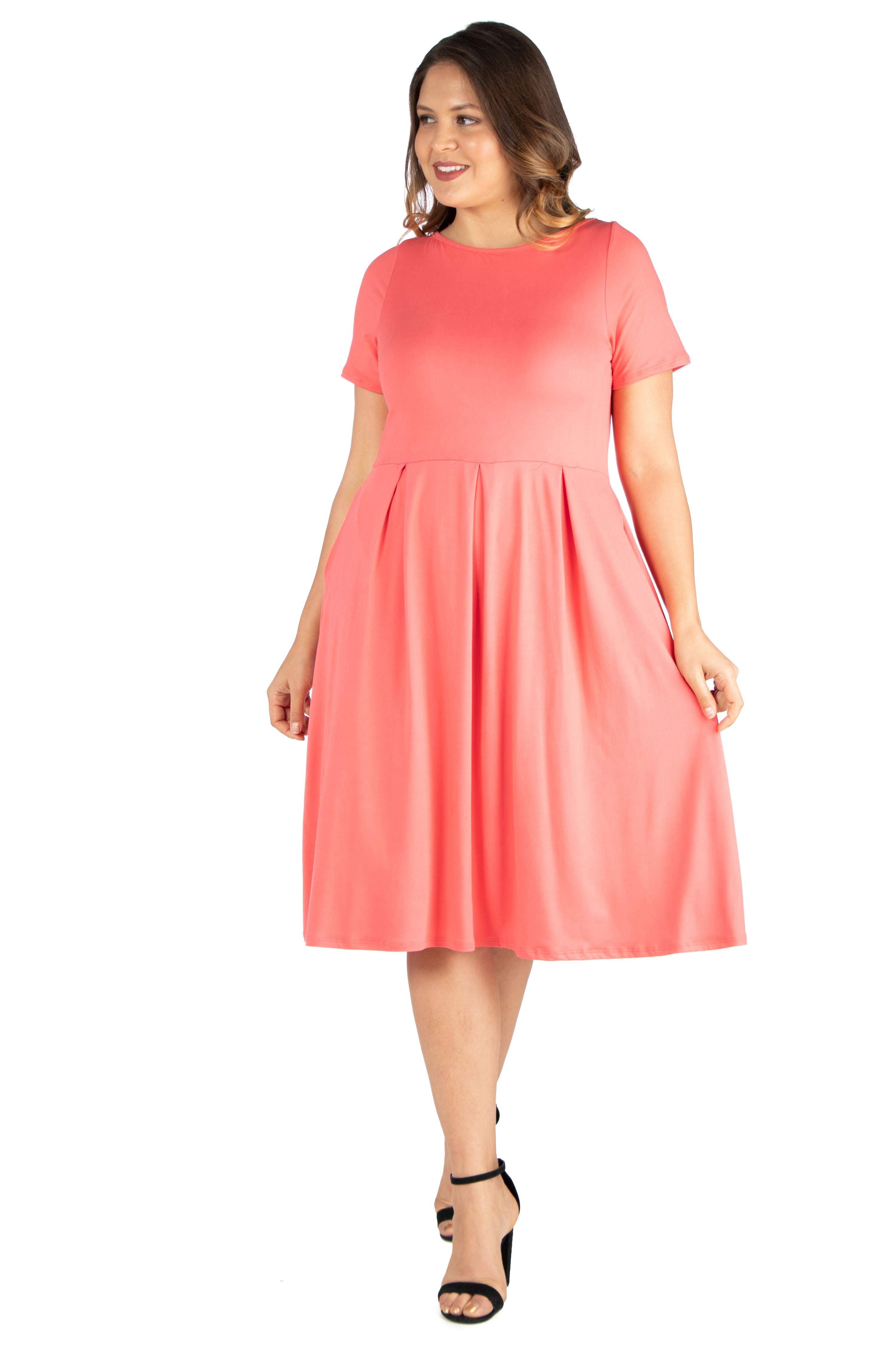 Women's Plus Size Short Sleeve Midi Skater Dress With Pockets