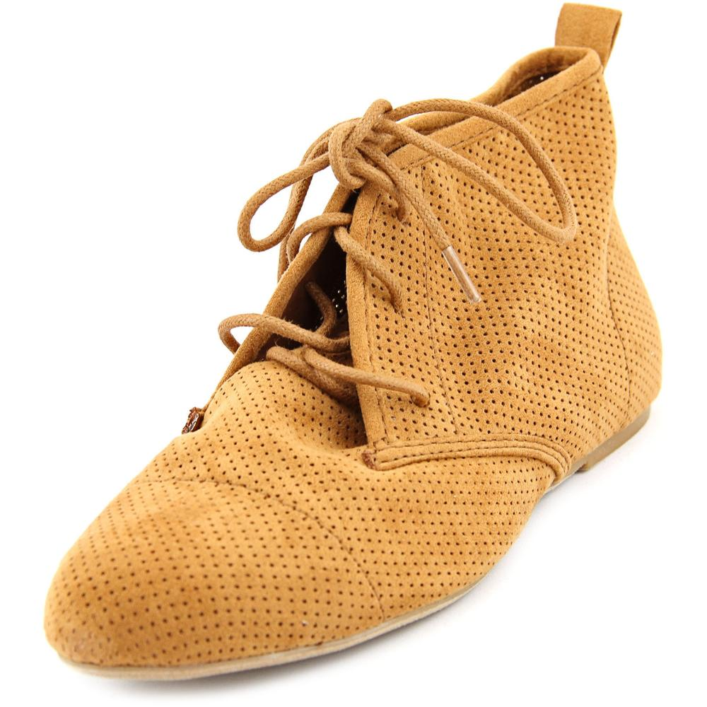Wanted Skip Women  Round Toe Canvas Tan Chukka Boot