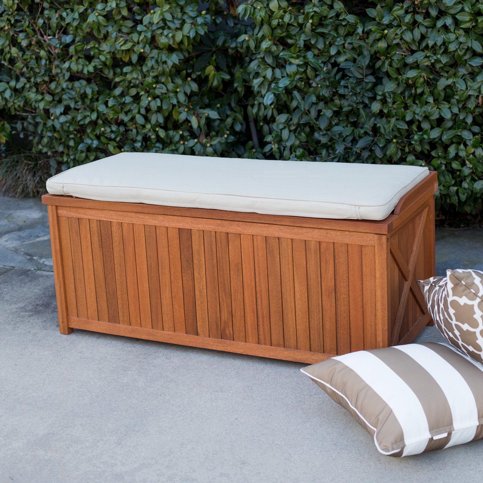Belham Living Brighton 48 in. Outdoor Storage Deck Box with Cushion - Natural