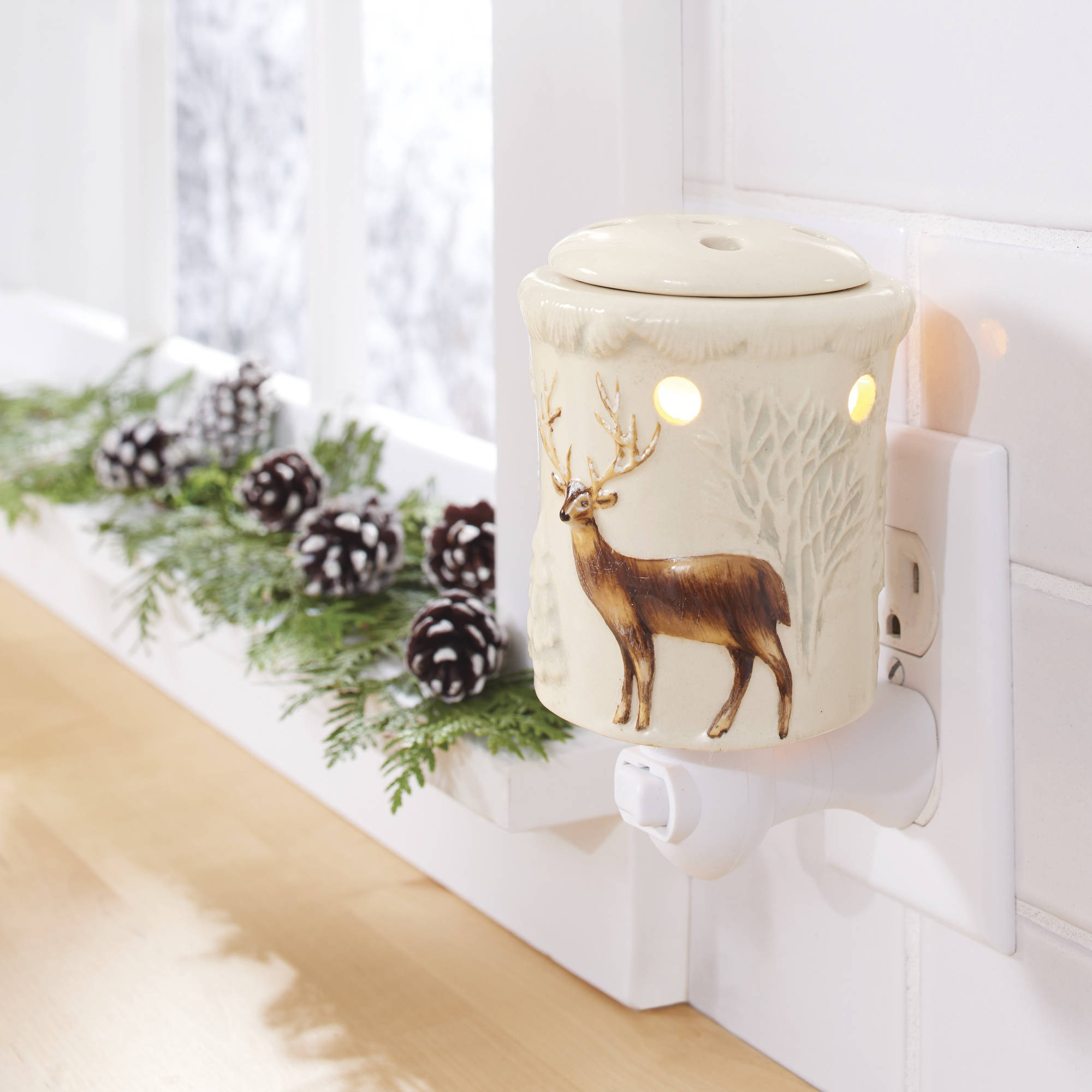 Better Homes and Gardens Accent Wax Warmer, Winter Deer