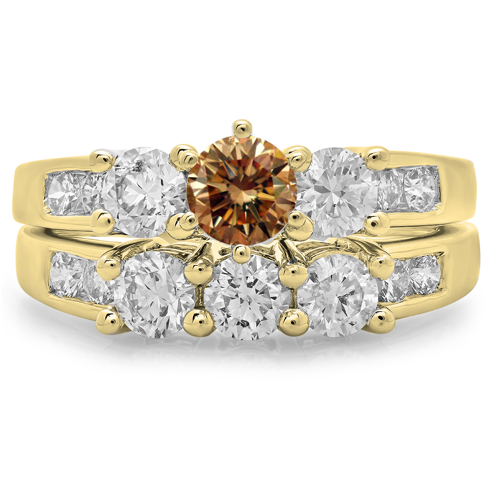 2.25 Carat (ctw) 18K Yellow Gold Round Cut Champagne & White Diamond Ladies Bridal 3 Stone Engagement Ring With Matching