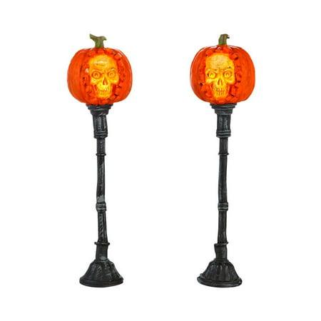 Department 56 Snow Village Halloween 4033847 Evil Pumpkin Lampposts, Set of 2