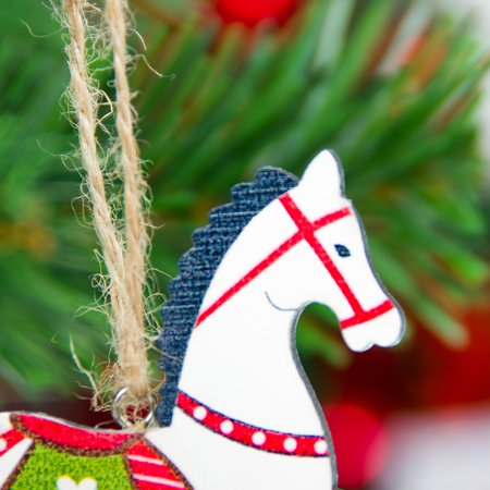 Christmas Horse Decorations.Voomwa Christmas Tree Horse Shaped Pendant Christmas Colorful Wooden Trojan Horse Decoration Ornaments Home Door Hanging Decorations