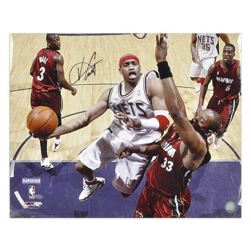 NBA - Vince Carter New Jersey Nets - Layup vs. Heat - 16x20 Autographed Photograph