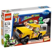 Toy Story 3 Pizza Planet Truck Rescue Set LEGO 7598