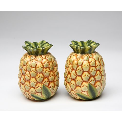 Cosmos Gifts Pineapple Salt and Pepper Set
