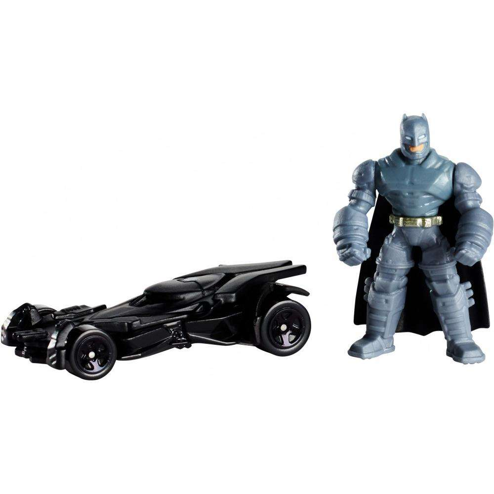 Hot Wheels Batman v Superman Mini Armored Batman Figure & Batmobile