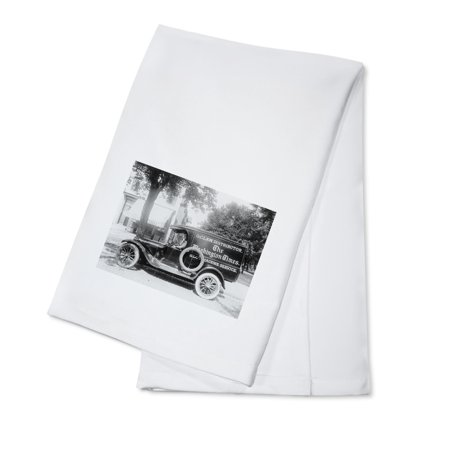 Washington Times Newspaper Truck Photograph  100  Cotton Kitchen Towel
