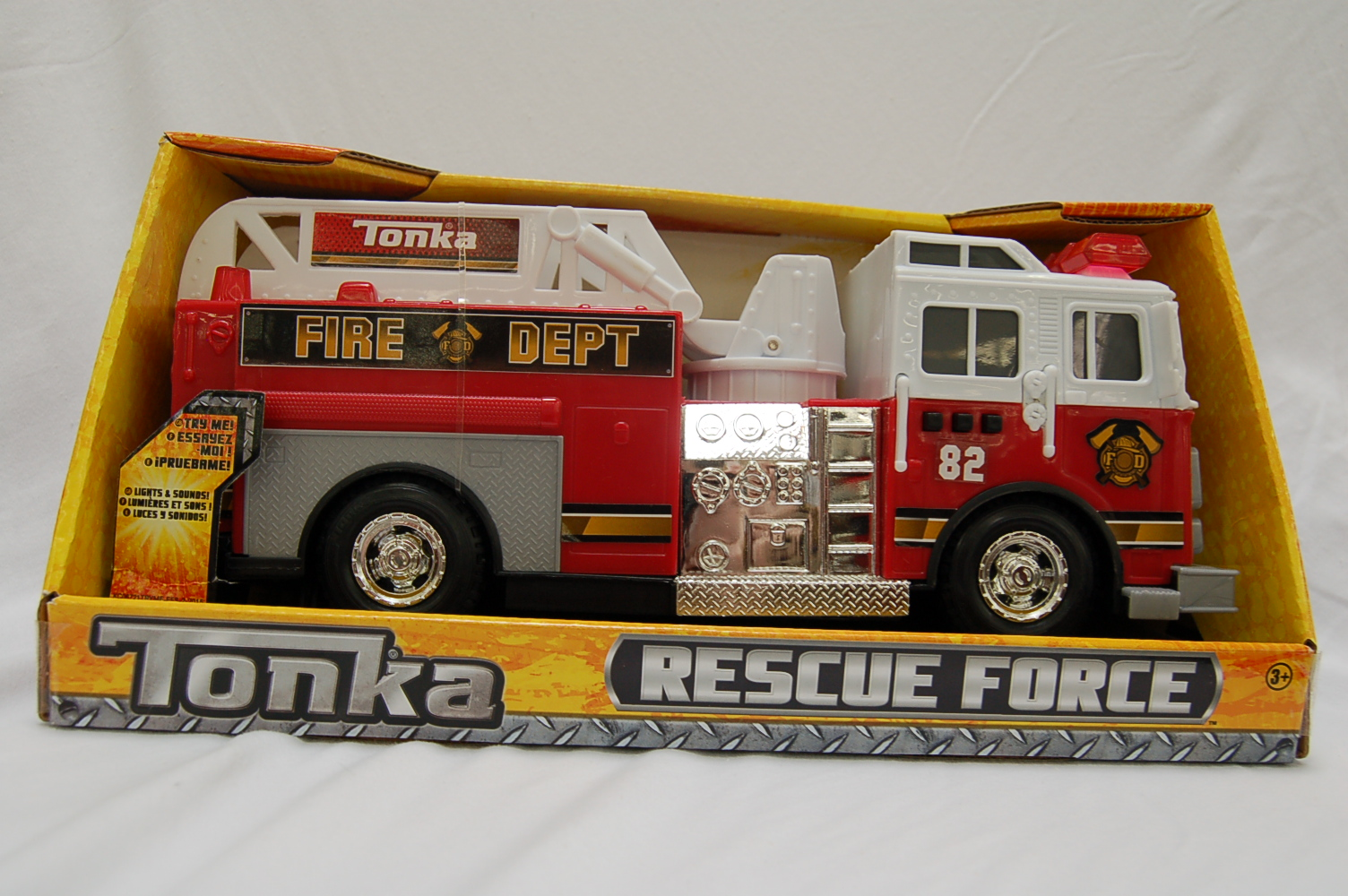 Tonka Rescue Force Lights and Sounds 12-inch Ladder Truck Fire Dept 82 by Generic