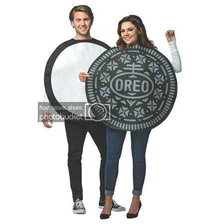 Couple Halloween Costumes Canada (Oreo Cookie Couples)
