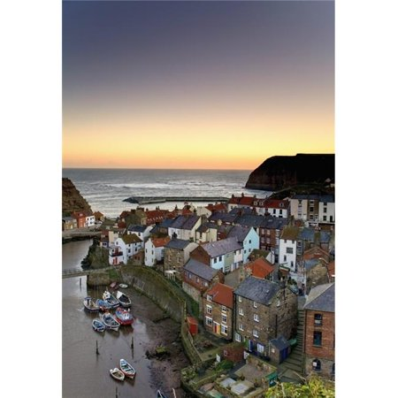 Posterazzi DPI1838708 High Angle View of Staithes Townscape - North Yorkshire England UK Poster Print, 11 x 17 - image 1 de 1