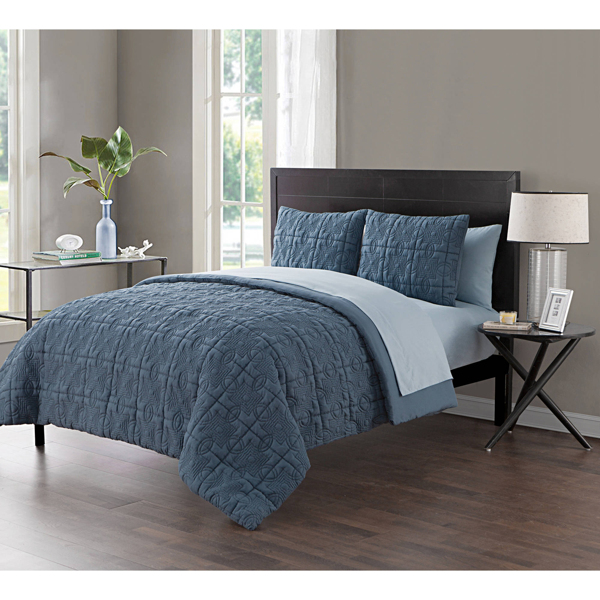 VCNY Home Iron Gate Geometric Embossed 5/7-Piece Bed in a Bag Comforter Set with Sheet Set, Multiple Colors and Sizes