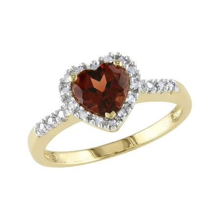 Garnet and Diamond Heart Ring 9/10 Carat (ctw) in 10K Yellow Gold (10k Garnet Heart Ring)