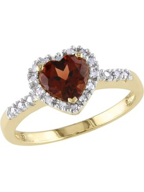 Garnet and Diamond Heart Ring 9/10 Carat (ctw) in 10K Yellow Gold