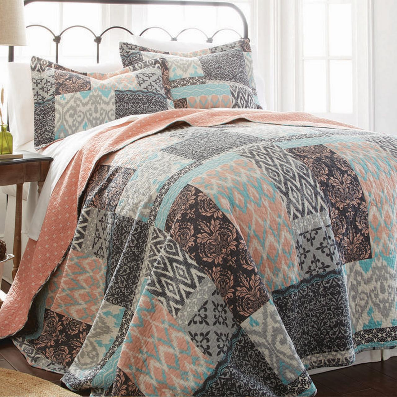 100% Cotton 3 Piece Printed Reversible Quilt Set Sylvia Full Queen by Amrapur Overseas, Inc.