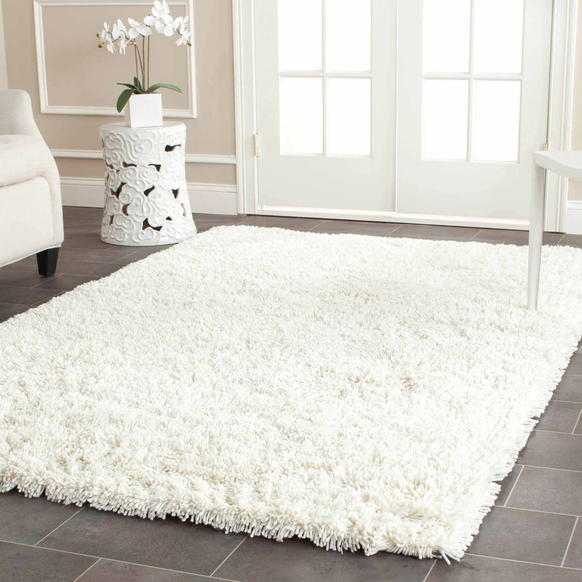 Safavieh Hand-Tufted Shag Area Rug