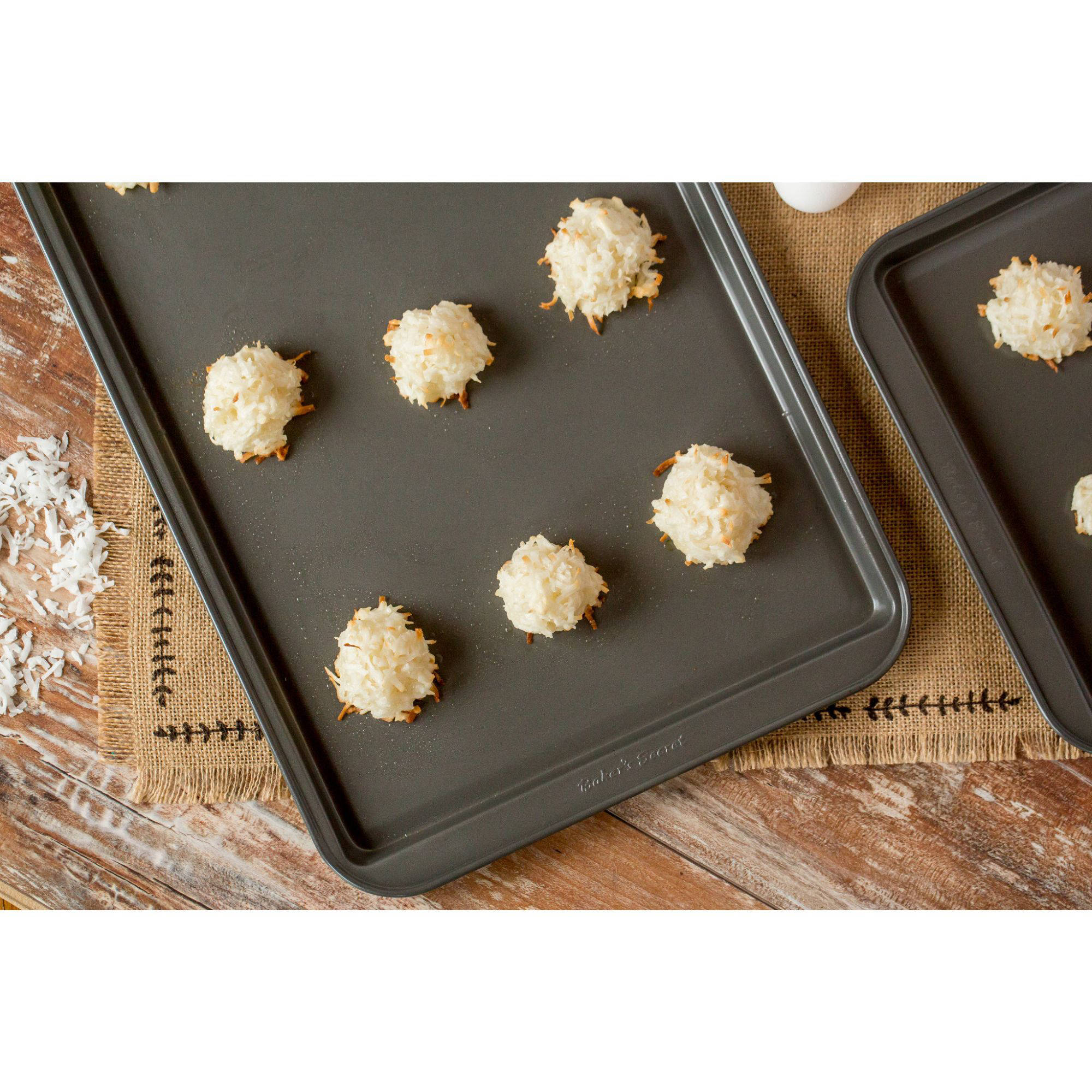 Baker's Secret Essentials 2-Piece Medium Cookie Sheet Value Pack